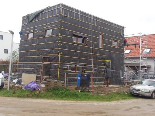 Houten kaswoning-in-aanbouw: isoleren en kozijnen